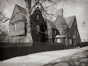 House-of-the-Seven-Gables-d